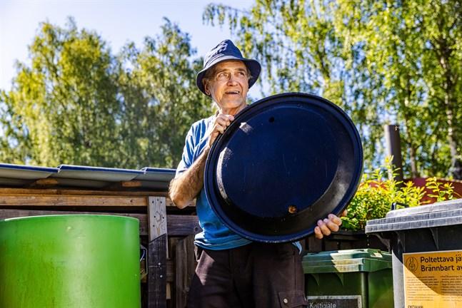 Från Alf Rönns hushåll i Hemstrand kommer det ytterst lite avfall. Han tar vara på det mesta och slänger aldrig bort mat.