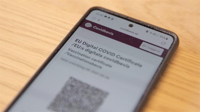 Italiensk polis meddelar att man har slagit till mot försäljare som erbjuder förfalskade covidbevis. Arkivbild.