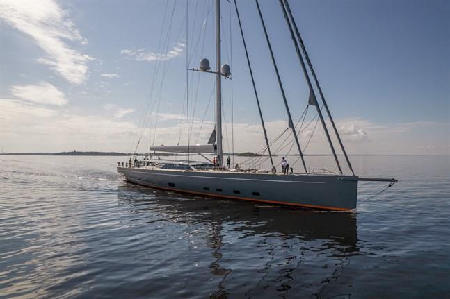 Mässkär i fjärran, tredje största Baltic-båten lämnade Jakobstad i juni.
