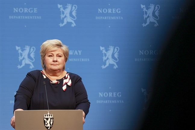 Norges statsminister Erna Solberg (H) under måndagens pressträff.