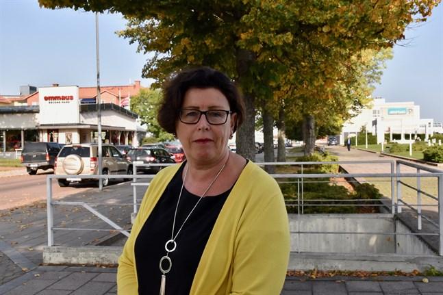 Veronica Thörnroos (Åländsk Center) är Ålands lantråd, det vill säga ordförande för Ålands regering.