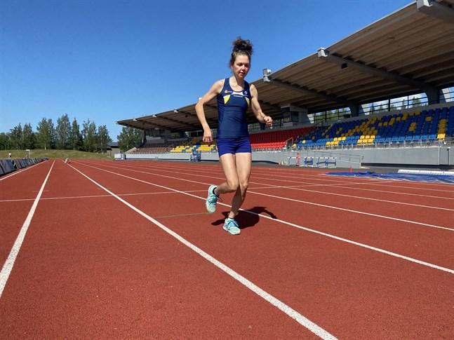 Heidi Kuuttinen gör en intressant comeback på löparbanorna vid SFIM på hemmaplan i helgen.