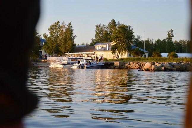 I kväll är det dags för sommardans vid Åminne folkpark.