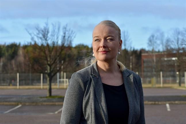 Tiina Tuurnala, vd för organisationen Rederierna i Finland, anser att regeringen valt en rörig modell för begränsningar av resor till Finland. Arkivbild.