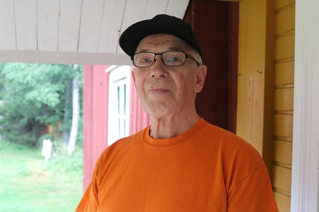 Veini Murtonen har besökt Pörtom hembygdsmuseum många gånger. Han tycker att området är fint.