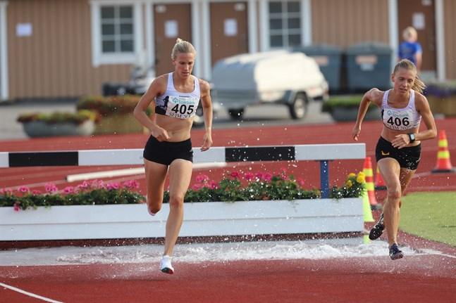 Camilla Richardsson reser inte med det finländska landslaget till Tokyo. Bilden är från SFI-mästerskapen i Närpes förra helgen.