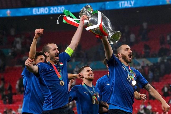 Italien är färska Europamästare efter stort drama på Wembley.