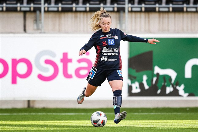 """Olga Ahtinens Linköping FC har stora ambitioner för den här säsongen. """"Vi vill nå en plats bland de tre bästa för att spela i Champions League""""."""