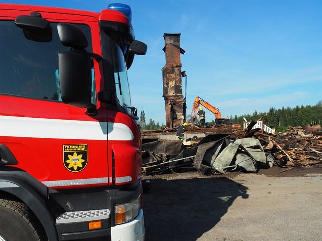 Brandorsaken kan ha varit en gammal frysbox, enligt polisen.