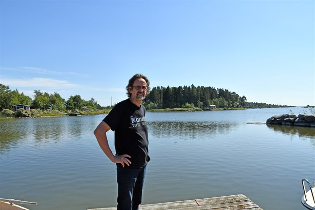 Tf tekniska direktören Markku Niskala håller med om att konkurrensen om nya invånare är tuff – men att närheten till havet är en trumf när Kristinestad planerar nya bostadsområden.