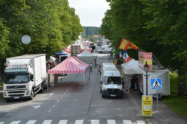 Förberedelserna inför sommarmarknaden i Kristinestad har dragit igång.