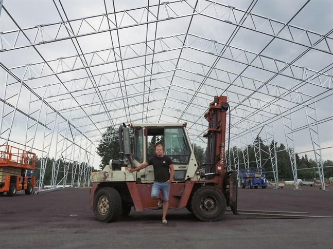 I augusti ska denna 10 meter höga hallen stå klar och i den ska upptill 200 båtar få rum för att förvaras över vintern. Projektet är en storsatsning för Ocean Dealers i Larsmo.