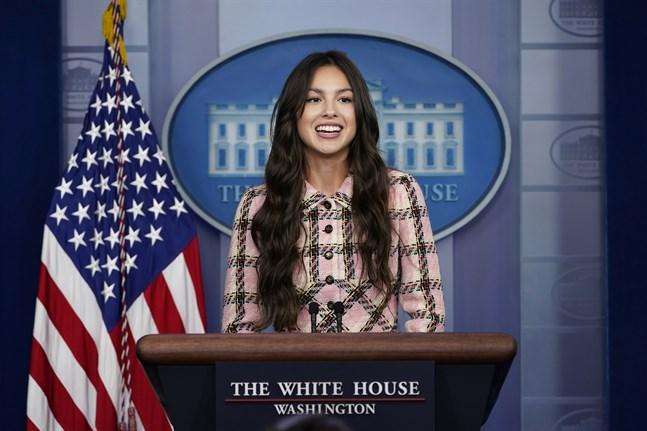 Olivia Rodrigo besökte Vita Huset i Washington för att spela in en film där hon uppmanar människor att vaccinera sig.