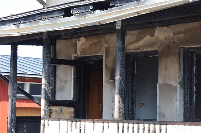 Det brandskadade huset.