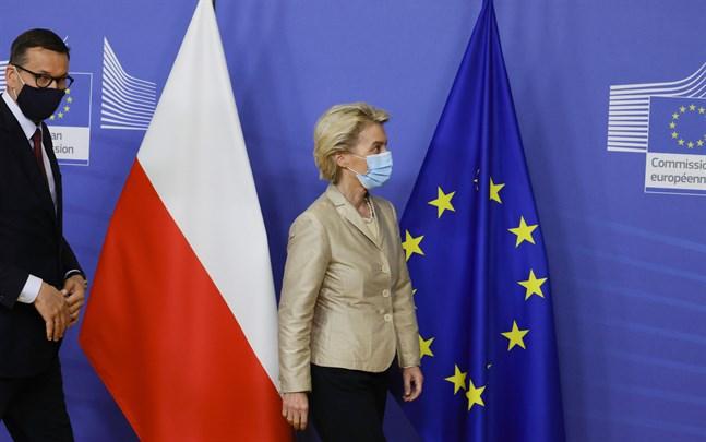 EU-kommissionens ordförande Ursula von der Leyen träffade Polens premiärminister Mateusz Morawiecki i Bryssel den 13 juli – i en tid av kris mellan Polen och EU.