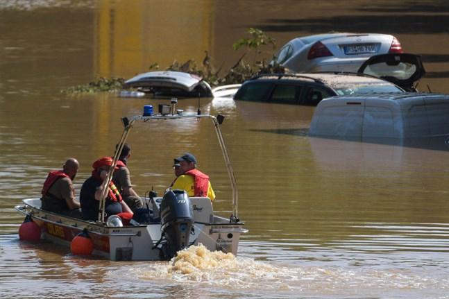 Finlands ambassad har inte fått några uppgifter om finländare som förolyckats i översvämningarna i Tyskland.