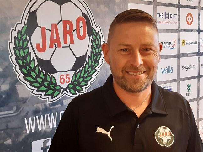 Jimmy Wargh ser ut att gå tillbaka till en 4–3–3-uppställning för Jaro i kvällens hemmamatch mot MuSa klockan 18.30.