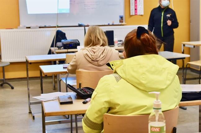 Enligt Emilia Uljas, ordförande i Gymnasistförbundet, är närundervisning ett bättre alternativ än distansundervisning för eleverna. Arkivbild.
