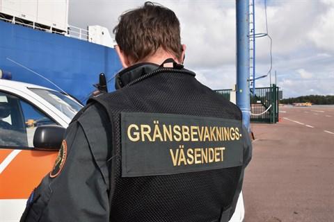 Ökad passagerartrafik från Sverige och Estland ger gränsbevakningen mera jobb
