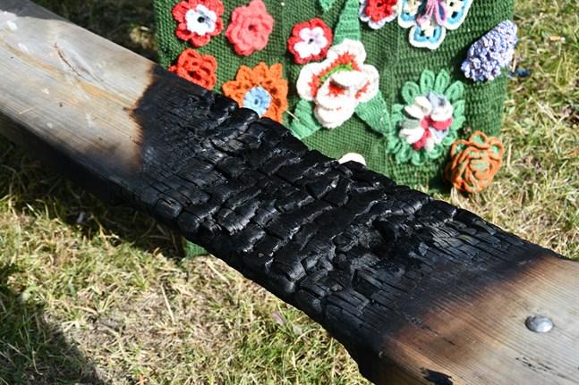 Skadorna blev inte så stora tack vare en förbipasserande som upptäckte branden i ett tidigt skede.