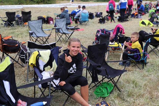 Lea Snickars från Närpes var snabbast i klassen för tolvåriga flickor.