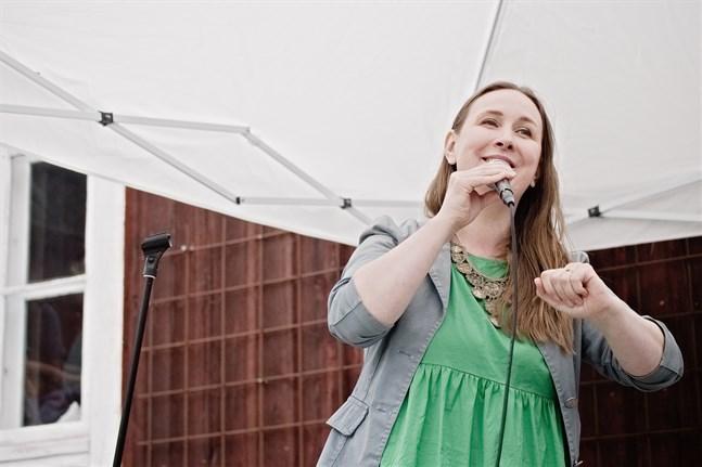 Kusinerna Riippa framförde på torsdag kväll bland annat en ny egen komposition och text av Jessica Riippa, vilken handlar om harmoni med naturen.