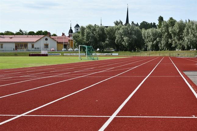 På torsdag kväll kommer Kristinaplans nya novotanbanor i användning när friidrottare intar idrottsplatsen.