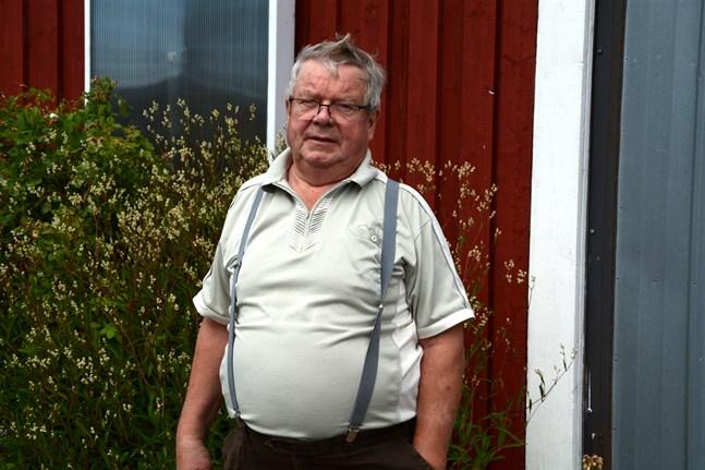 Torolf Lindfors har odlat kräftor i 30 års tid. Som mest har han odlat 6000 kräftor samtidigt.