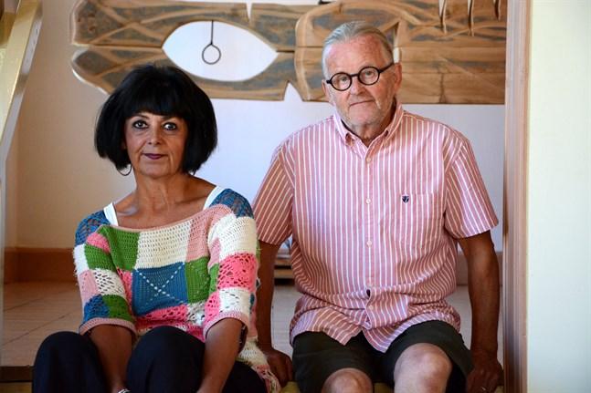 Susanna Paavola-Lehtinen och Harri Lehtinen ställer ut keramiska skulpturer och träskulpturer på Galleri Spectra.