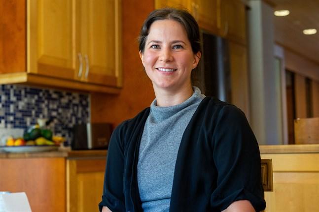 Victoria Lillmåns tror att alla i samhället gör så gott de kan efter sina egna förutsättningar. Själv är hon specialistsjuksköterska på IVA.