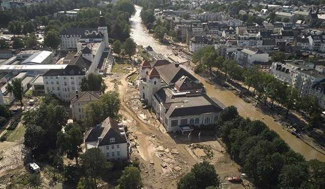 Förödelse längs floden Ahr i staden Bad Neuenahr-Ahrweiler. Nya skyfall väntas nu dra in. Arkivbild