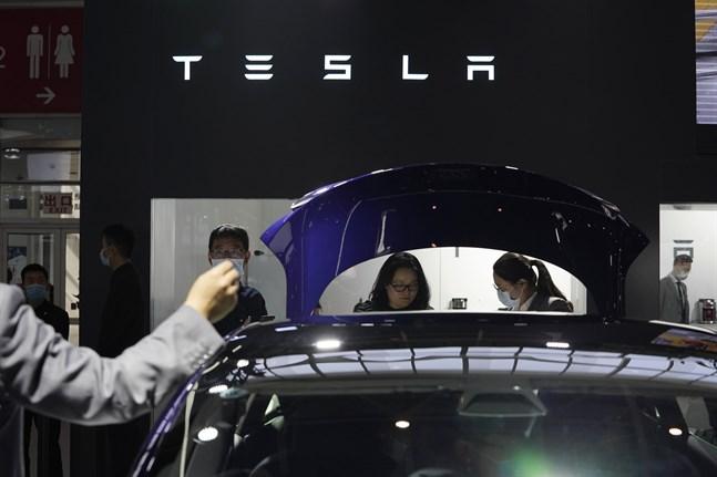 """""""Vi ser den starkaste efterfrågan någonsin"""", sade Teslagrundaren Elon Musk i april. Analytiker tror på intäkter på 11,4 miljarder dollar för andra kvartalet. Arkivbild."""