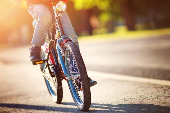 Vid skolstarten ska många barn ut i trafiken på egen hand för första gången.