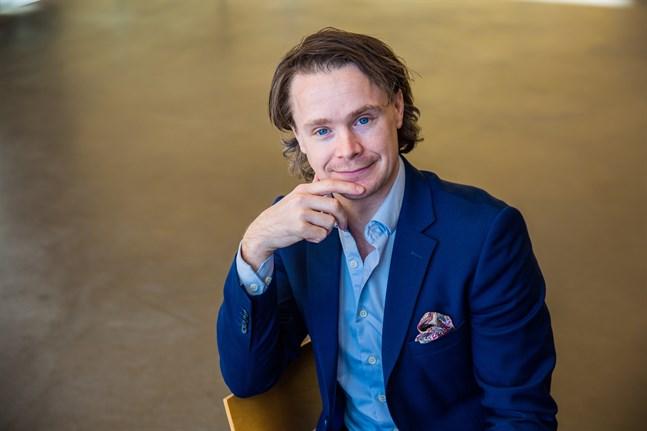 Thomas Karv, statsvetare vid Åbo Akademi, tror att det kommer att höras mer av Sannfinländarna i höst då den nya ordföranden tar vid.