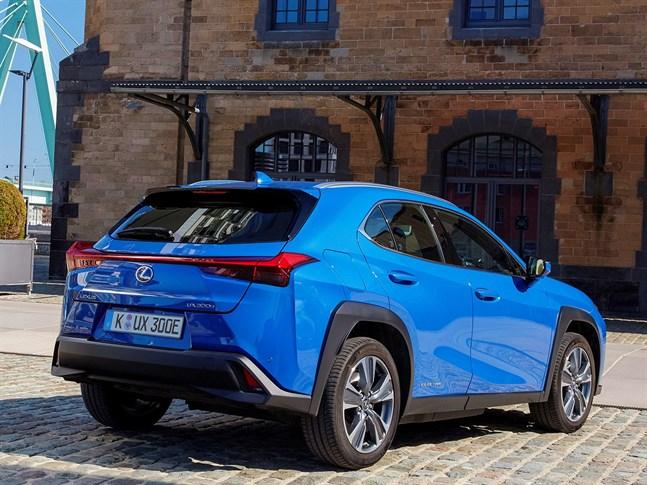 Lexus garanterar nämligen att litiumjonbatteriet på 54,3 kWh ska hålla i 10 år.