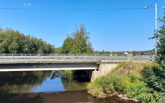 Bron vid Jåksholmen, Pedersöre.