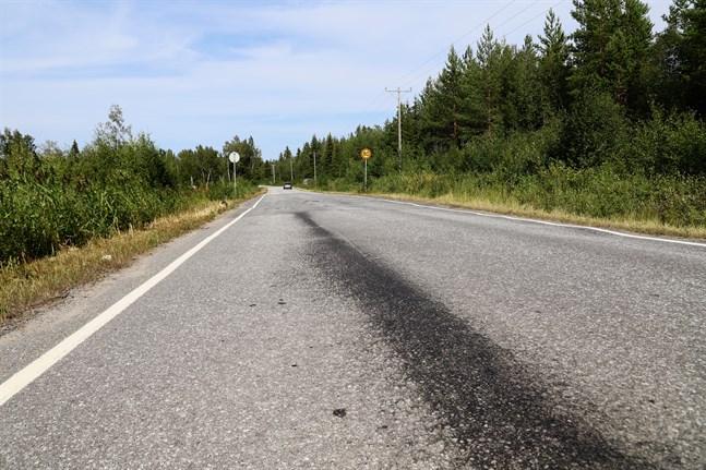 Så här såg det ut förra veckan efter att en oljepropp lossnade från en bil och olja läckte ut.