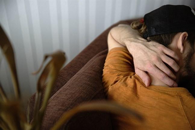 Det råder stor brist på psykoterapeuter i Finland, och de som finns fördelar sig ojämnt i landet.