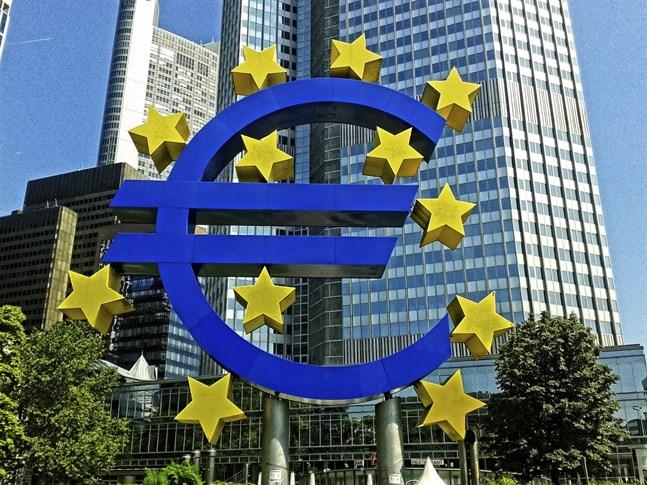 Hur bra klarar bankerna en kraftig konjunkturnedgång? Det har åter testats för både stora och små banker.