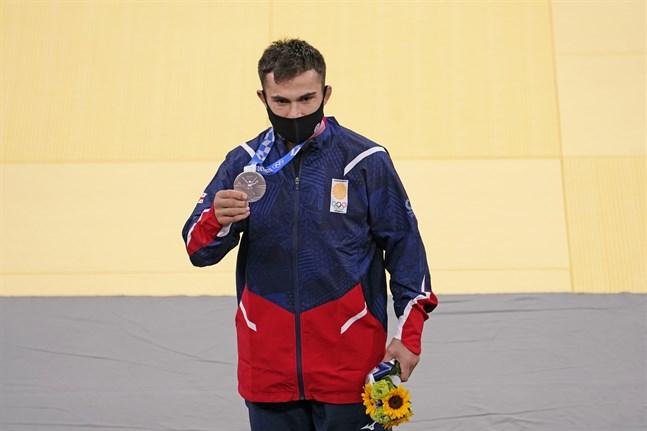 Vazha Margvelashvili är en av de som fått sin ackreditering indragen.