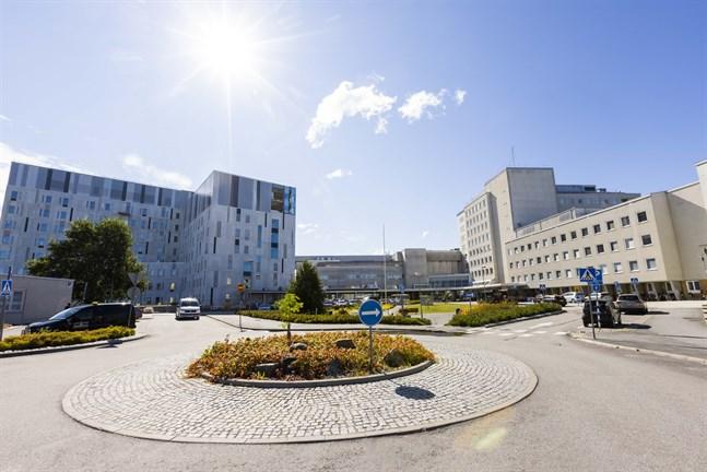 Under torsdagen var det tre personer som fick vård på Vasa centralsjukhus på grund av covid-19. Två av dem vårdades på intensiven.