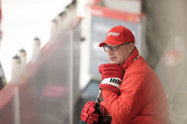 Risto Dufva inleder en ny säsong som Sports tränare.