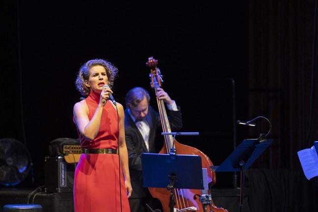 Maria Ylipää behärskar olika musikstilar och har en scenvana som få.