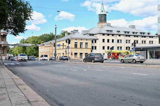 Olyckan inträffade här, vid korsningen Nylandsgatan-Tavastgatan nära Åbo Akademis huvudbyggnad och domkyrkan.