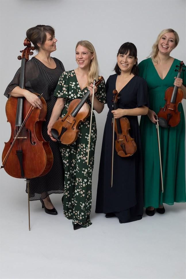 Cellisten Tittit Van der Pals, altviolinisten Line Fafner, violinisten Ingegerd Deckert och Kronobybördiga violinisten Paulina Storbacka i Storbacka-kvartetten ger två konserter i Österbotten.