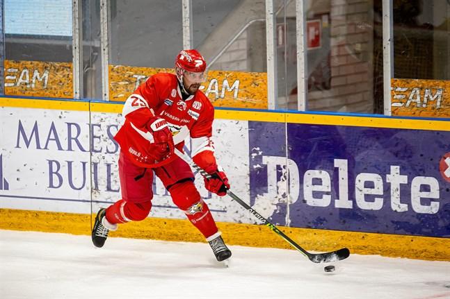 Axel Holmström blev målskytt i Sportdebuten.