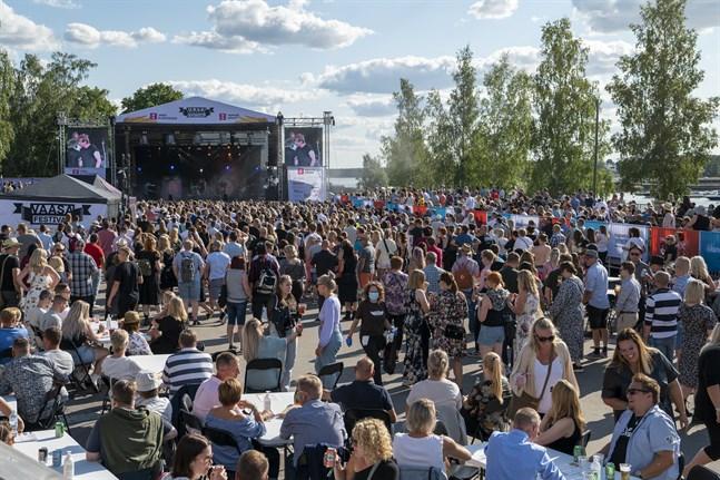 Nu börjar coronavirussmittan spridas till andra landskap genom personer som besökt Vasa festival. Nya fall i Satakunta har direkt koppling till festivalen.
