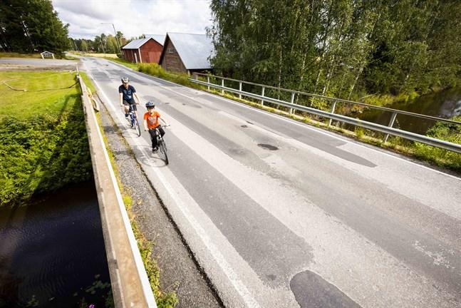 I somras skrev Vasabladet om Walter Sand som har 30 meter för kort skolväg för att få gratis skolskjuts.