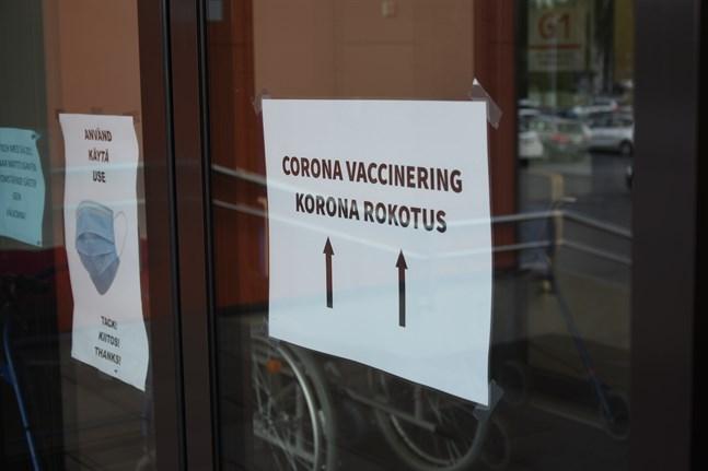 Närmare 70 procent av befolkningen i Vasa sjukvårdsdistrikt har fått den första vaccindosen. Något över 40 procent har fått båda doserna.