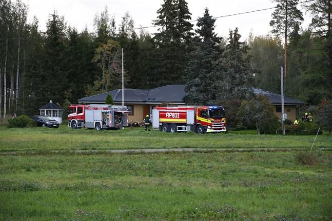 Brandkåren ryckte ut till ett hus på Vasavägen i Näsby på måndag morgon.